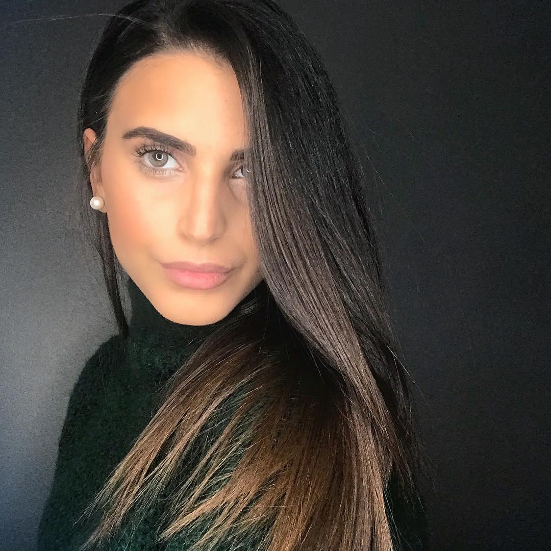 Camelia-Benattia-Wallpapers-Insta-Fit-Bio-13