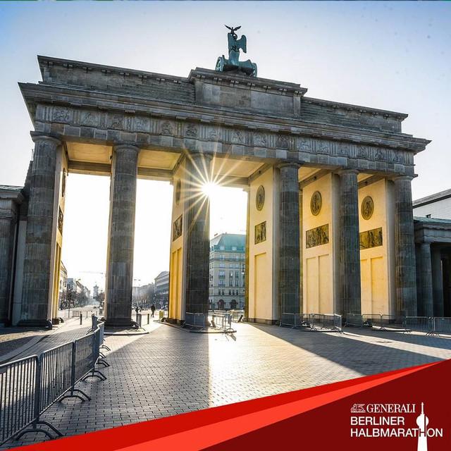 puerta-brandeburgo-medio-maraton-berlin-travelmarathon-es
