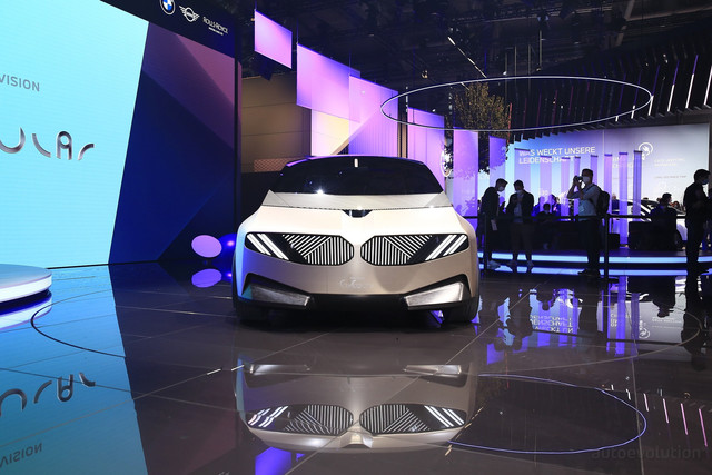 2021 - [BMW] Vision Circular  - Page 2 7-C2-F7-D11-A7-DB-42-DC-883-C-BAA3-AB6-D2381