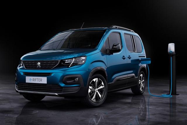 2018 - [Peugeot/Citroën/Opel] Rifter/Berlingo/Combo [K9] - Page 10 BD284497-B1-AE-4-FC7-B598-E660-C4-A24631