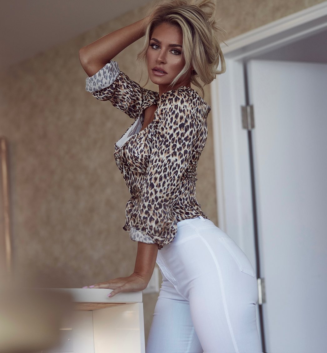 Anna-Katharina-Wallpapers-Insta-Fit-Bio-7