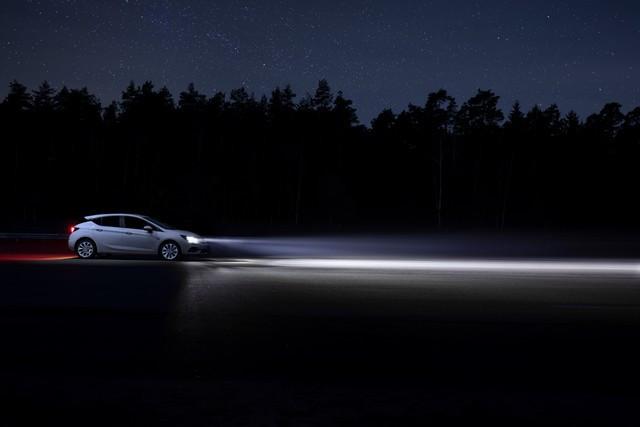 Une lumière sans danger : feu bleu pour l'Opel Grandland X Opel-Astra-Intelli-Lux-Matrix-Licht-511382