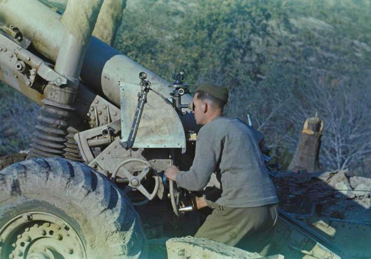 The British Army offensive on Monte Cassino. Photos in Color by Lieutenant Hyde