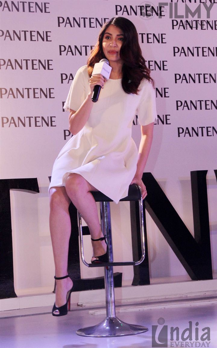 [Image: Anushka-Sharma-launches-Best-Ever-Pantene-53.jpg]