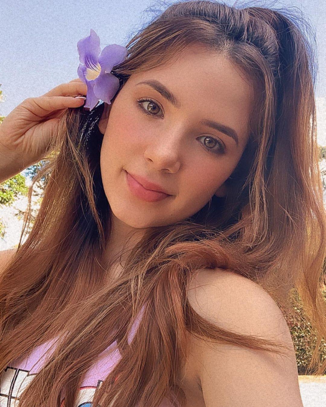 Anabel-Ramirez-Wallpapers-Insta-Fit-Bio-5