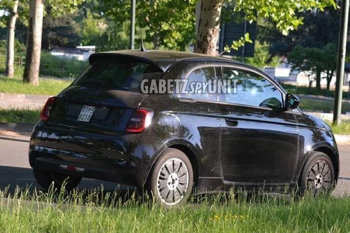 Fiat 500e (2020) 17