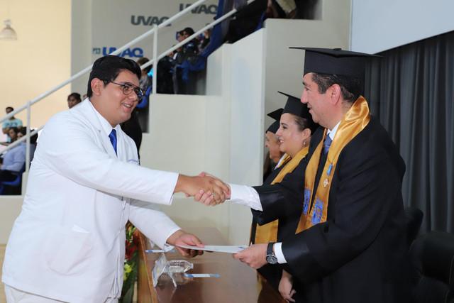 Graduacio-n-Medicina-140
