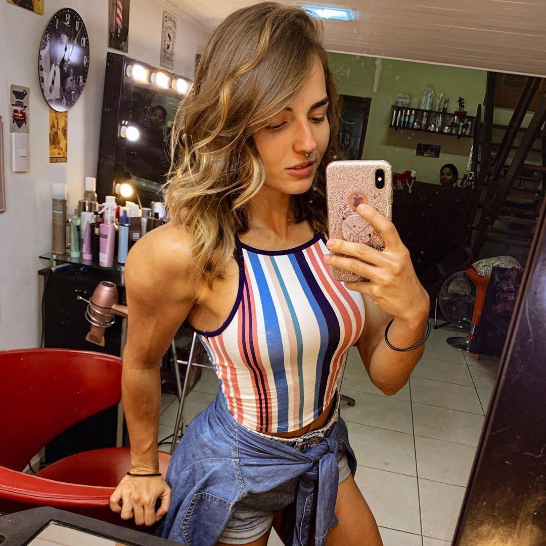 Vanessa-Garcia-Wallpapers-Insta-Fit-Bio-3