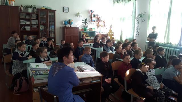 Просмотр фильмов о войне в Галкинской школе