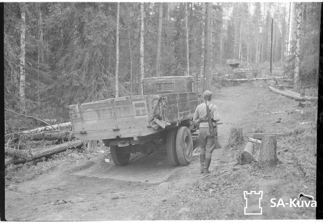 Nihin-maastoi-sortui-176-vihollisen-jalkavkidivisioona