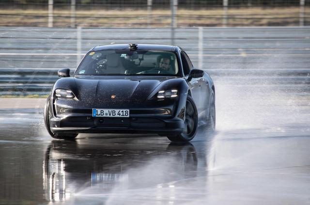 2019 - [Porsche] Taycan [J1] - Page 18 8501-DA6-C-B05-F-41-A5-BE0-B-96-C37-B2-CE11-D