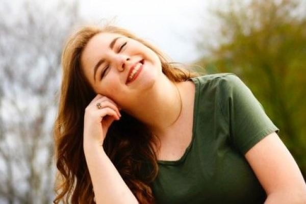 5 Cara Ampuh Tetap Bahagia Meski Hidupmu Saat Ini Kacau Balau