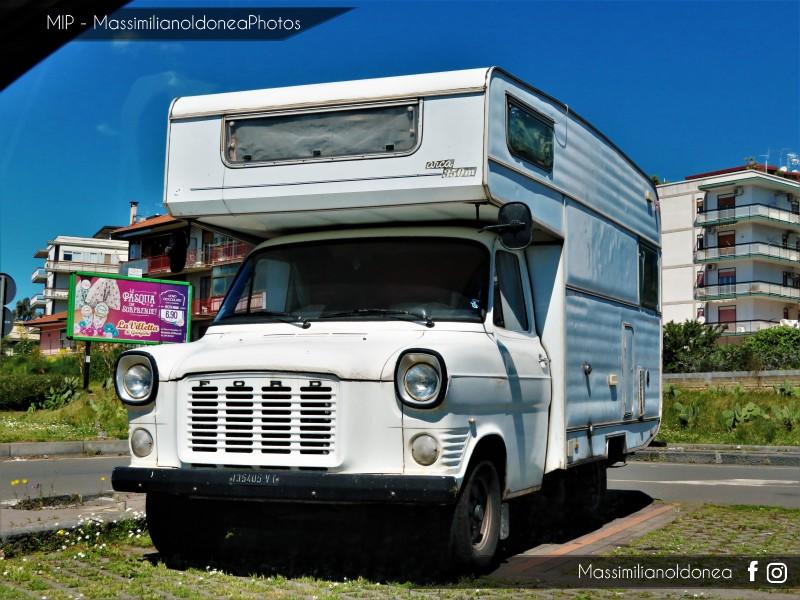 Veicoli commerciali e mezzi pesanti d'epoca o rari circolanti - Pagina 9 Ford-Transit-Camper-D-2-4-63cv-75-VT135405-290-336-7-5-2018-1