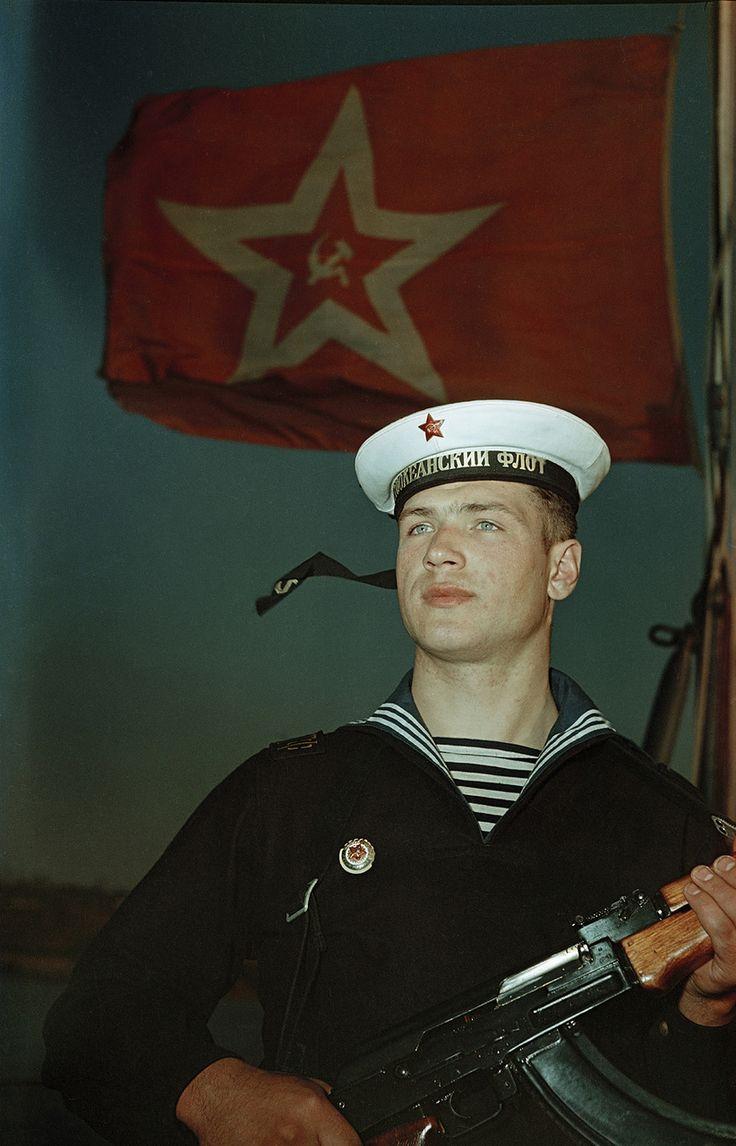 https://i.ibb.co/JrjqCYF/cd774ab1a349f9e8acb19c10ba092e8f-soviet-navy-soviet-union.jpg