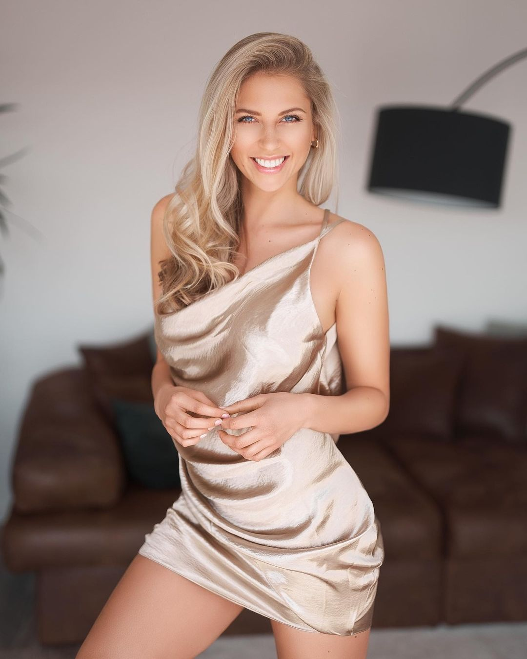 Lea-Manuela-Wallpapers-Insta-Fit-Bio-4