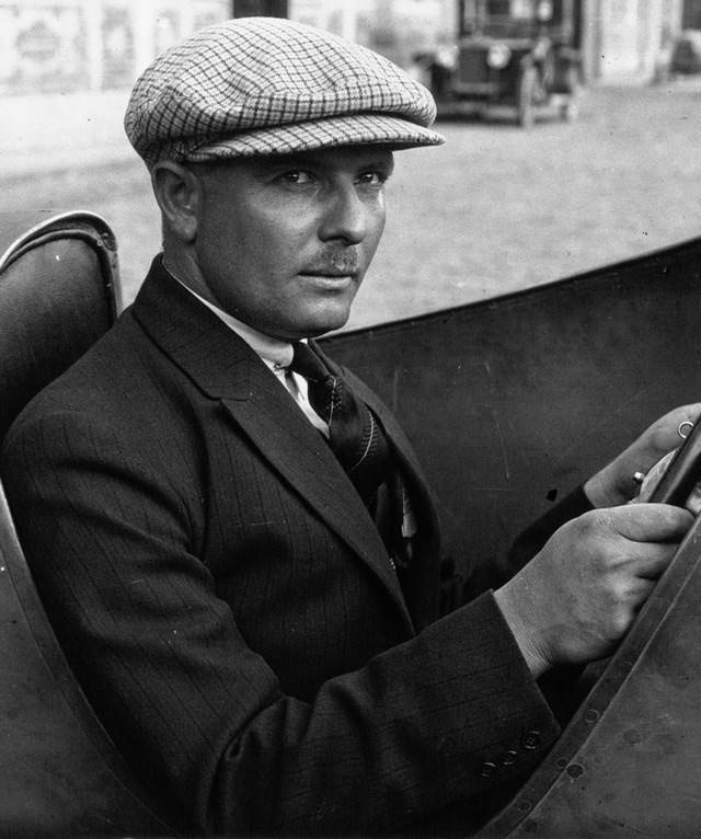 Les risque-tout chez Bugatti – entre l'avion et la voiture de course  08-albert-divo-at-the-1924-french-grand-prix-cropped