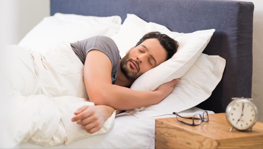 عدد ساعات النوم المثالية