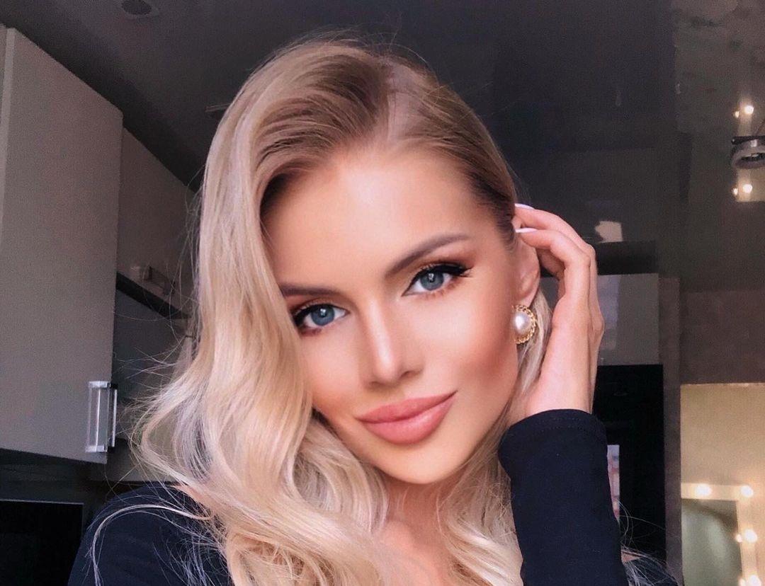 Alena-Vragevskaya-Wallpapers-Insta-Fit-Bio-15