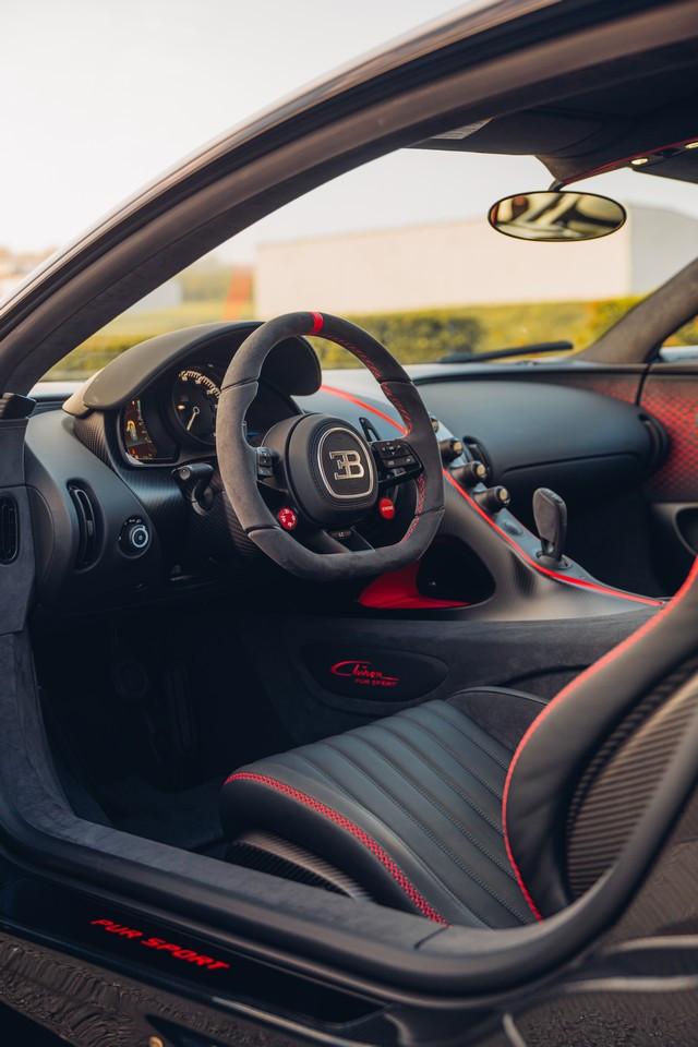 Premiers trajets en Bugatti Chiron Pur Sport 36-27-pur-sport-first-drives-jet-grey