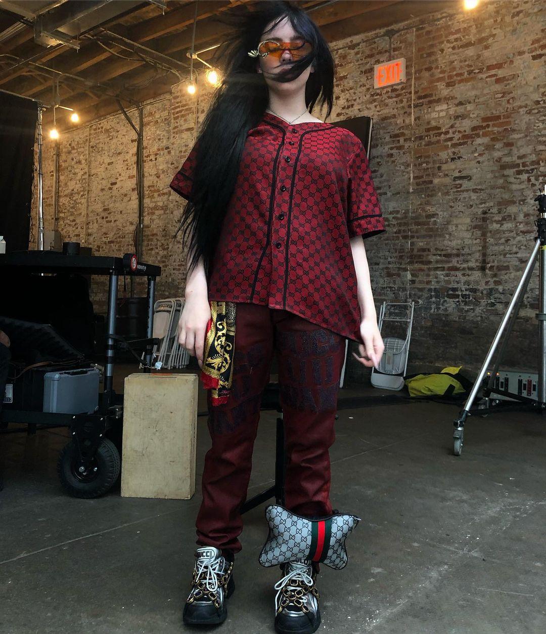 Billie-Eilish-Wallpapers-Insta-Fit-Bio-10