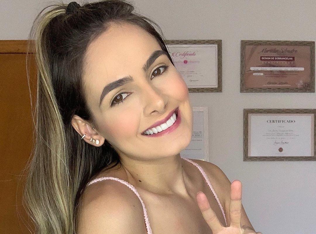 Ana-Jessica-Wallpapers-Insta-Fit-Bio-6