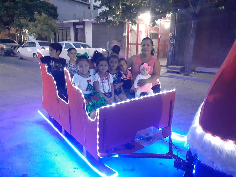abuelo-mototaxi-trineo-navidad-3