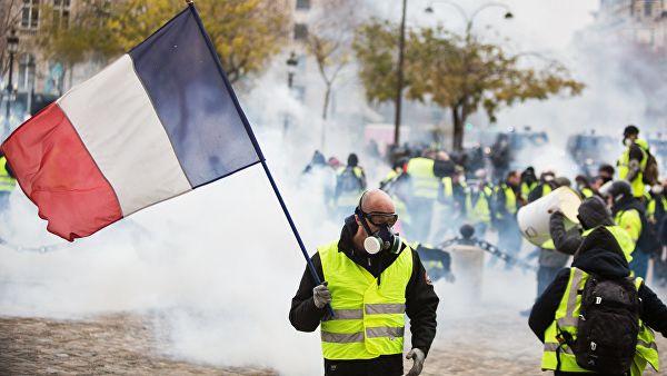 Число задержанных в Париже превысило 1550