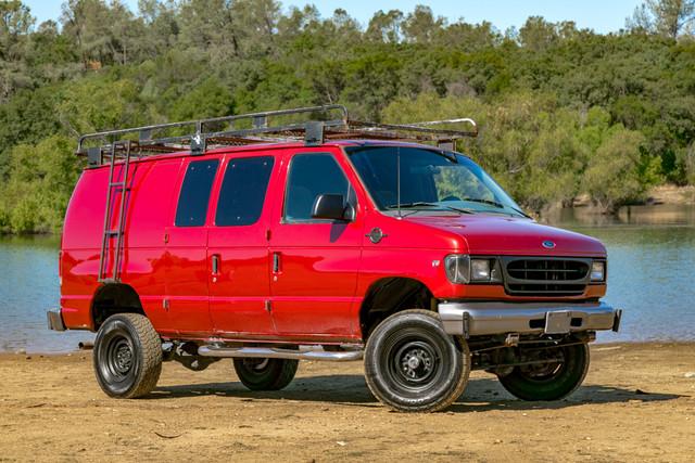 2002-Ford-E350-10
