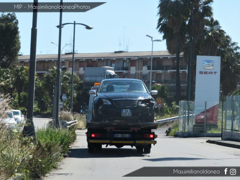Auto Moderne - Pagina 17 Chrysler-200-ZA263-XX-2