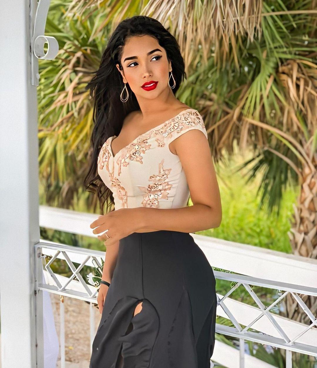 candidatas a miss peru 2020. top 10: pag 5. top 5: pag 6. top 3: pag 8. final: ? - Página 5 Agatha-mego-123140152-1618551831647903-7039835472486932075-n
