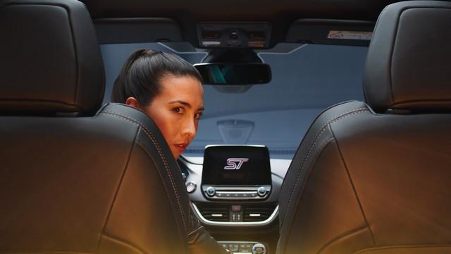 Ford innove avec une série de vidéos interactives dont vous êtes le héros pour présenter le tout nouveau SUV Puma ST FORD-PUMA-ST-REVEAL-FILMGRAB-back-seat-1-0-1920x1080