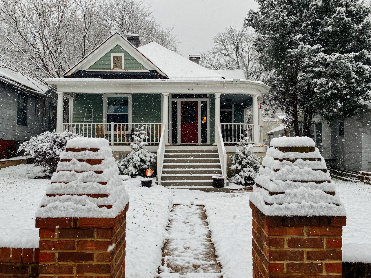 Tips To Protect Your Roof From Snow And Ice Damage