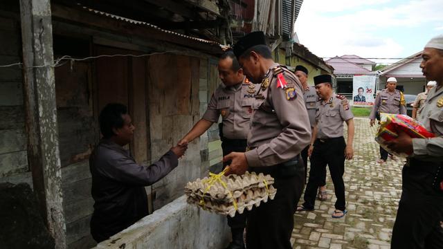 Wakapolresta Samarinda,AKBP Dedi Agustono Mengaku Miris Melihat Kondisi Maimunah.