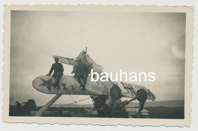 Foto-Flugzeug-abgeschossen-2-WK-3288x