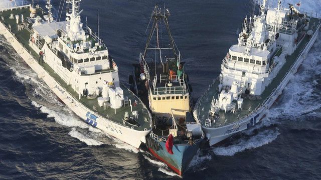Japan-Coast-Guard-vs-Chinese-Fishing-boat-2018