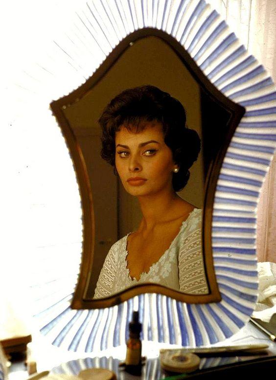Sophia-Loren-3.jpg