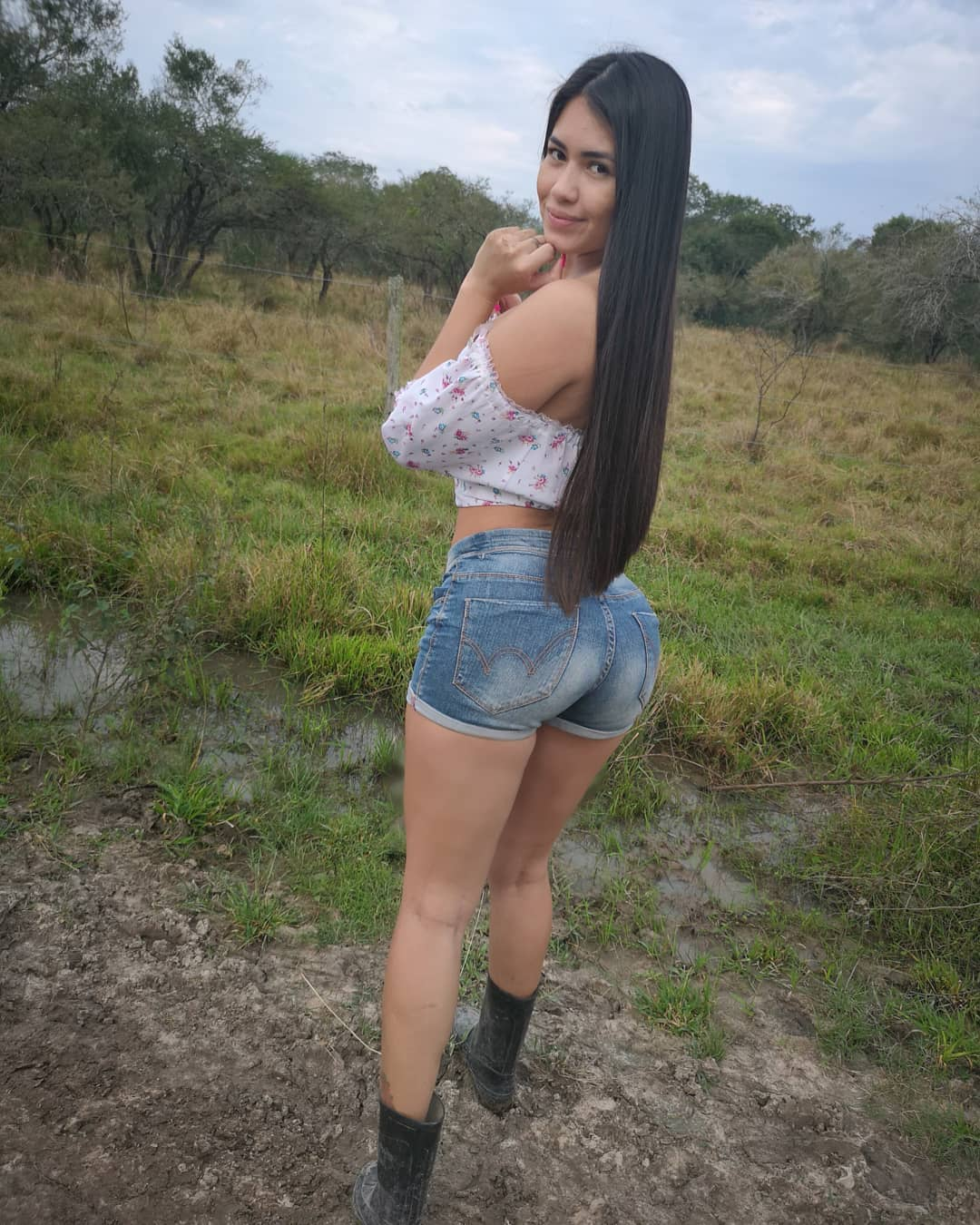 Laura Rodriguez - Bio, Age, Height | Fitness Models Biography