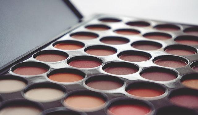 https://i.ibb.co/KGkvCCm/makeup-kit-private-label.jpg