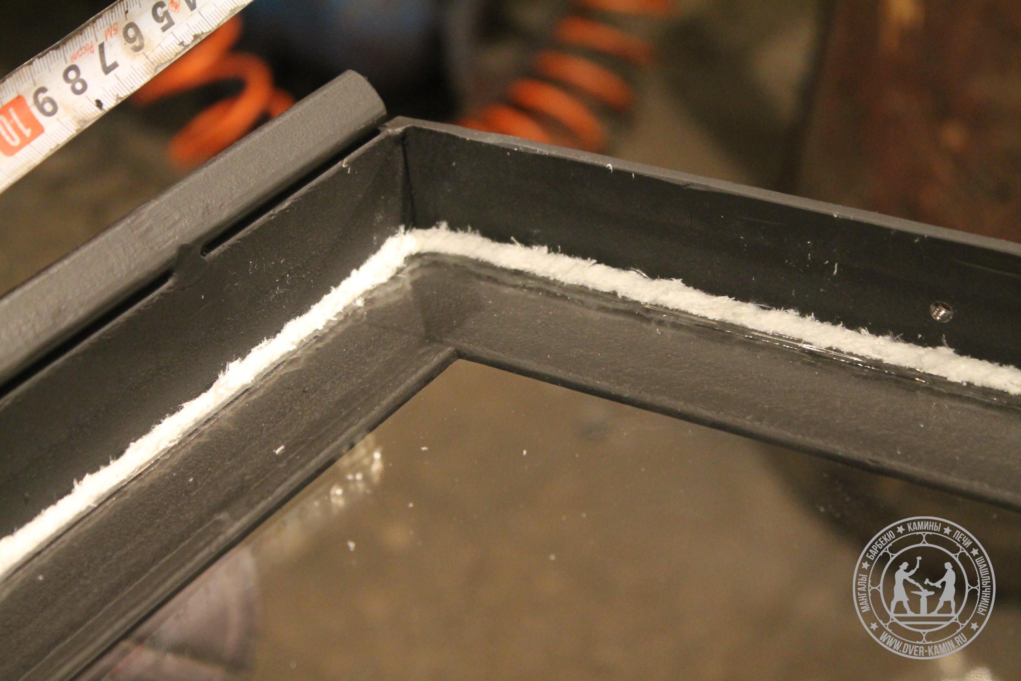 Шнур для уплотнения стекла в раме