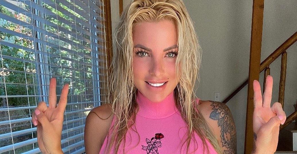 Jessica-Weaver-Wallpapers-Insta-Fit-Bio-3