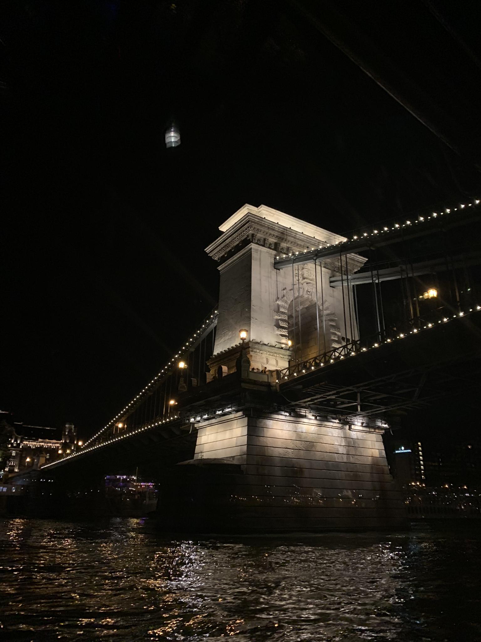 boot op de donau in Boedapest