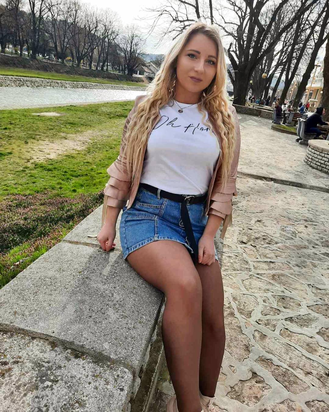 Kosana-Pavlovic-Wallpapers-Insta-Fit-Bio-15