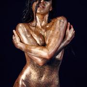 Chiara-Bianchino-Glitter-Girl-by-Hannes-Windrath-3