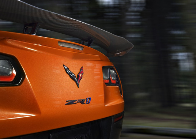 2019 Chevrolet Corvette ZR1 007 1024x726 1