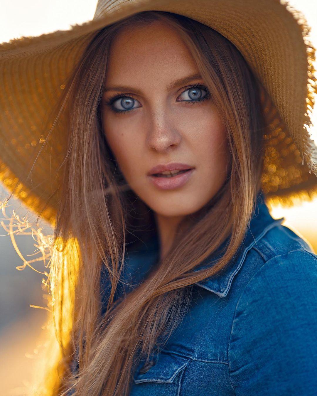 Nicole-marie-j-Wallpapers-Insta-Fit-Bio-8