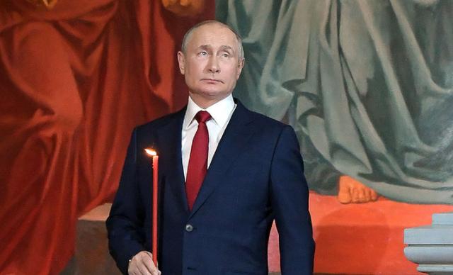 Где президент Владимир Путин находился в Пасху в 2021 году