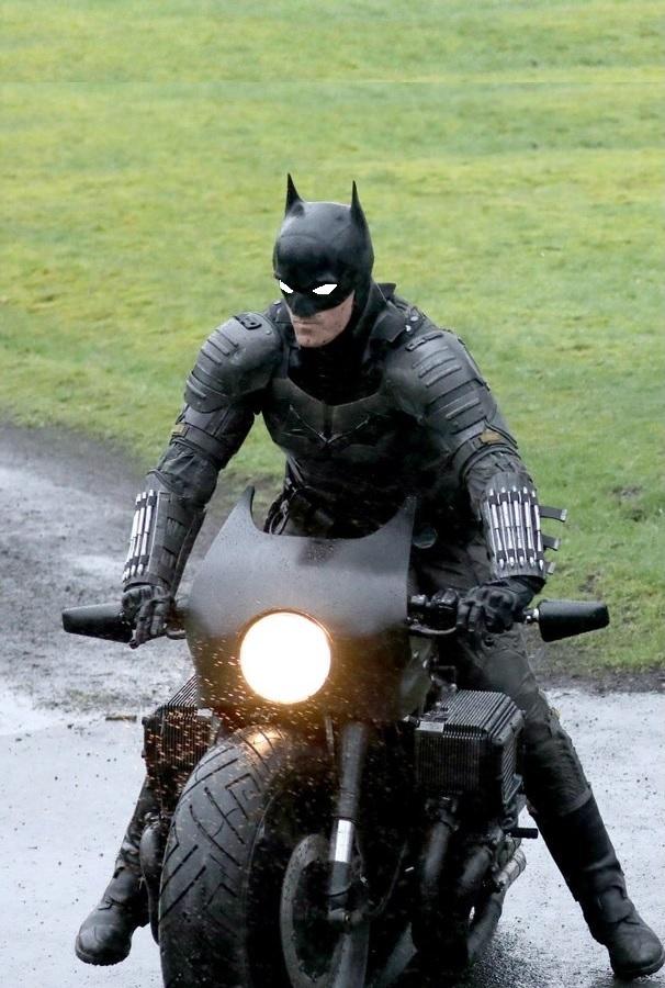 https://i.ibb.co/KhHgxM3/Batman.jpg