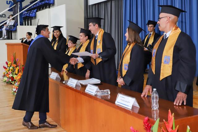 Graduacio-n-Cuatrimestral-47