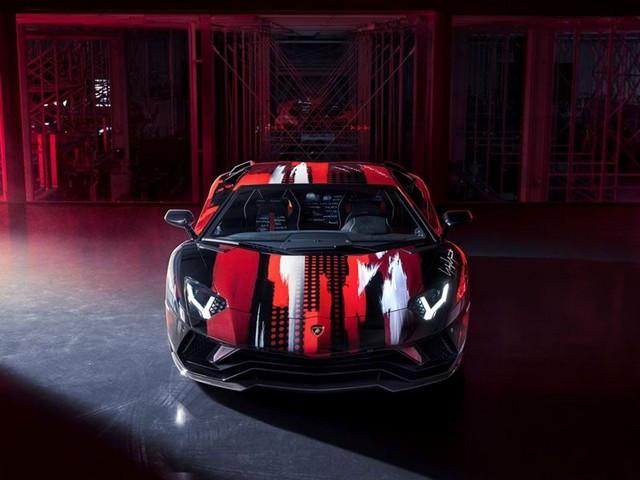 Automobili Lamborghini et Yohji Yamamoto célèbrent l'inauguration du Lamborghini Lounge Tokyo et du Studio Ad Personam 571305