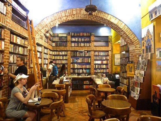 Ábaco Libros y Café